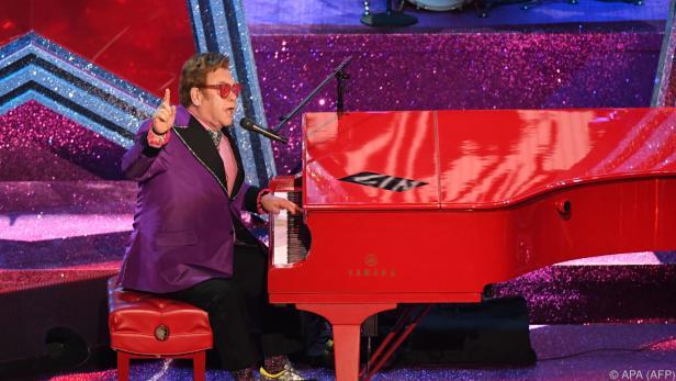 Elton John sang das Lied während der Gala