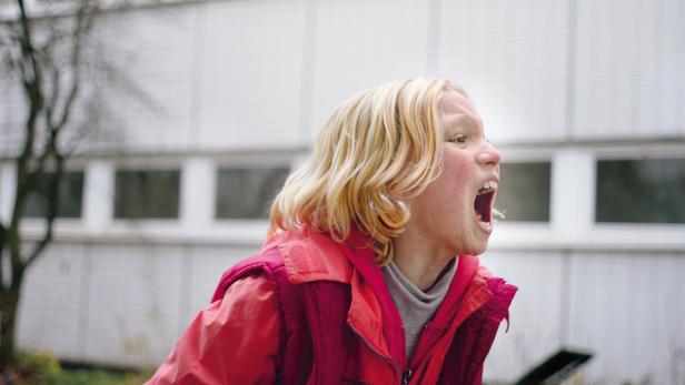 Energie & Zorn: Die neunjährige Helena  Zengel brilliert als traumatisierte Filmheldin.