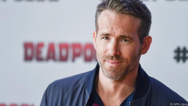 Ryan Reynolds schirmt sich und seine Familie zu Weihnachten ab
