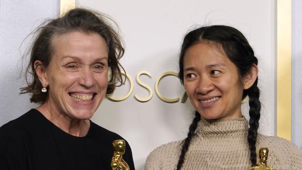 McDormand (links) bei der diesjährigen Oscar-Verleihung