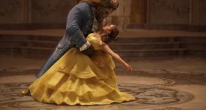 Mann tanzt<br /> mit Frau